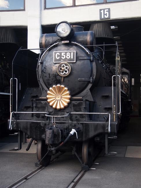 機関車10