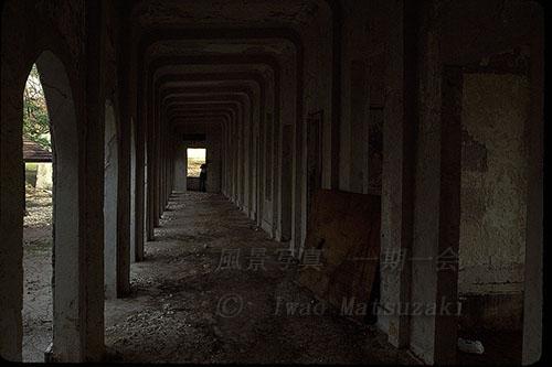 旧病棟廊下