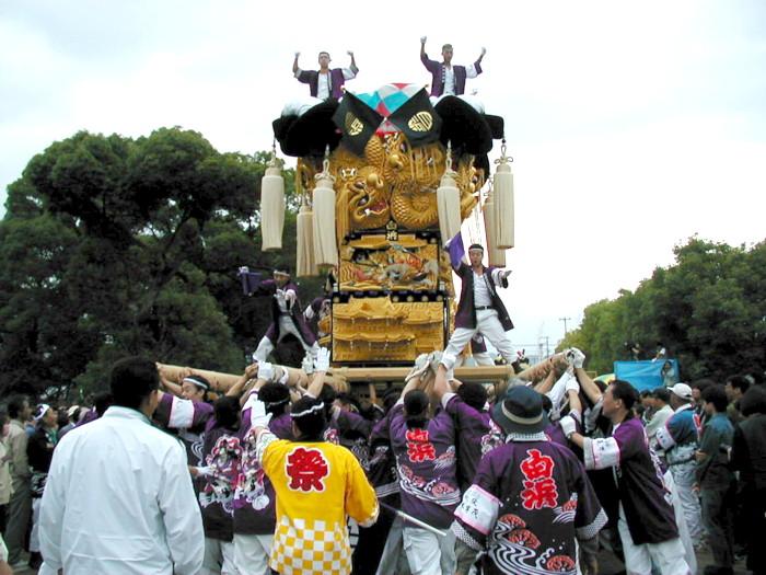 八幡神社の白浜太鼓台