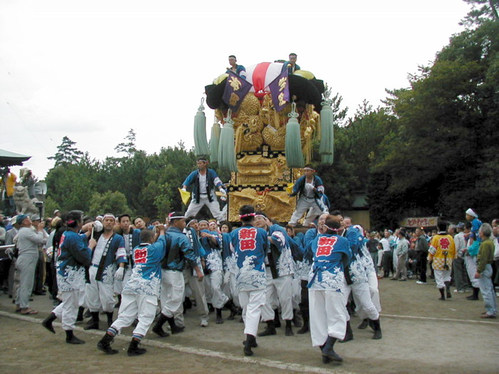 八幡神社の川東新田太鼓台