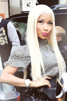 Nicki-Minajおすまし