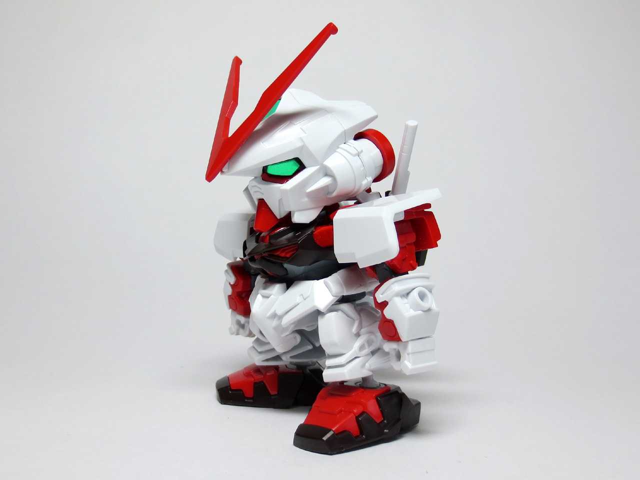 BB248_Astray_Red_Frame_09.jpg
