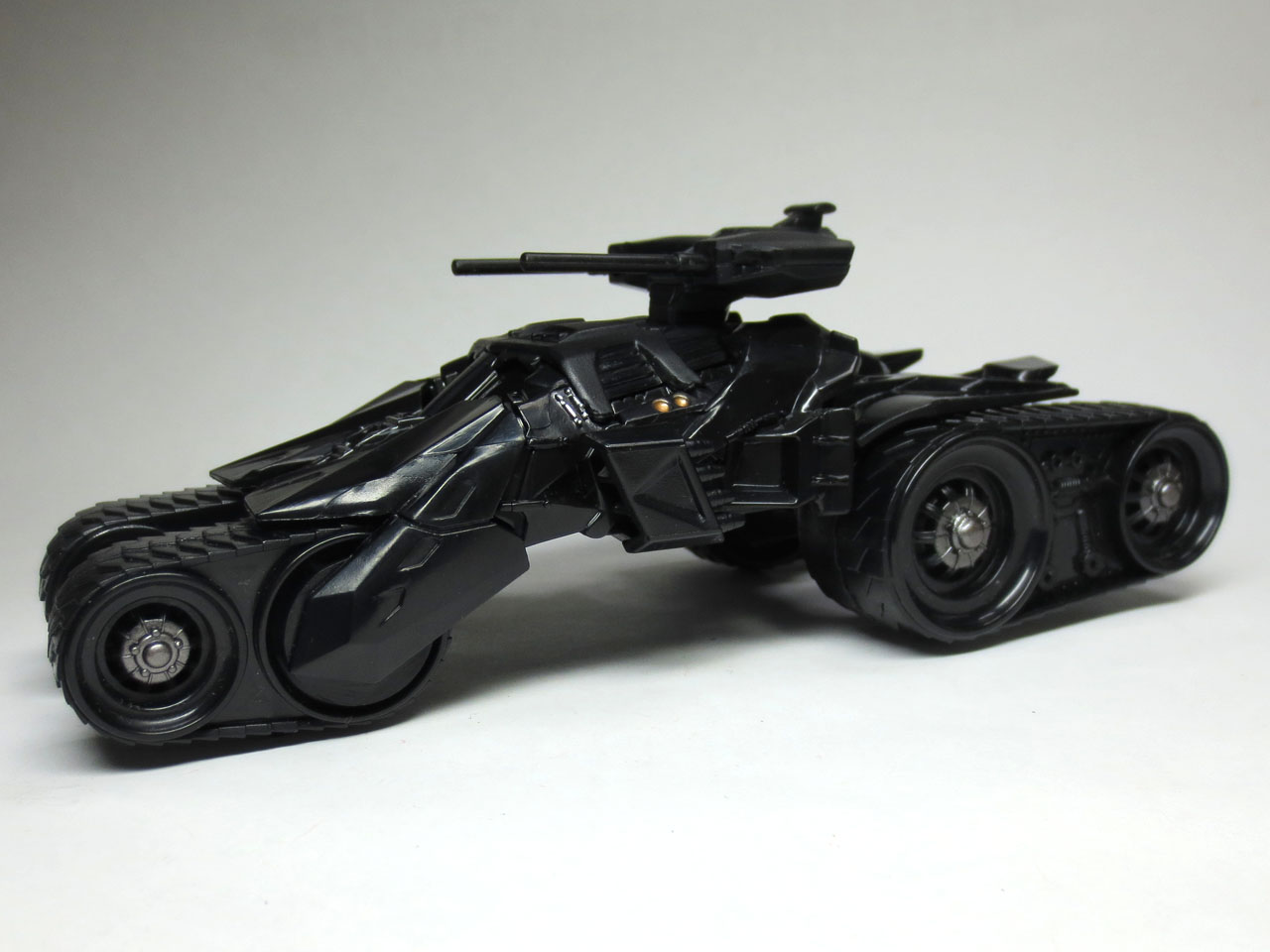 HW_custom_motors_batmobile_4th_28.jpg