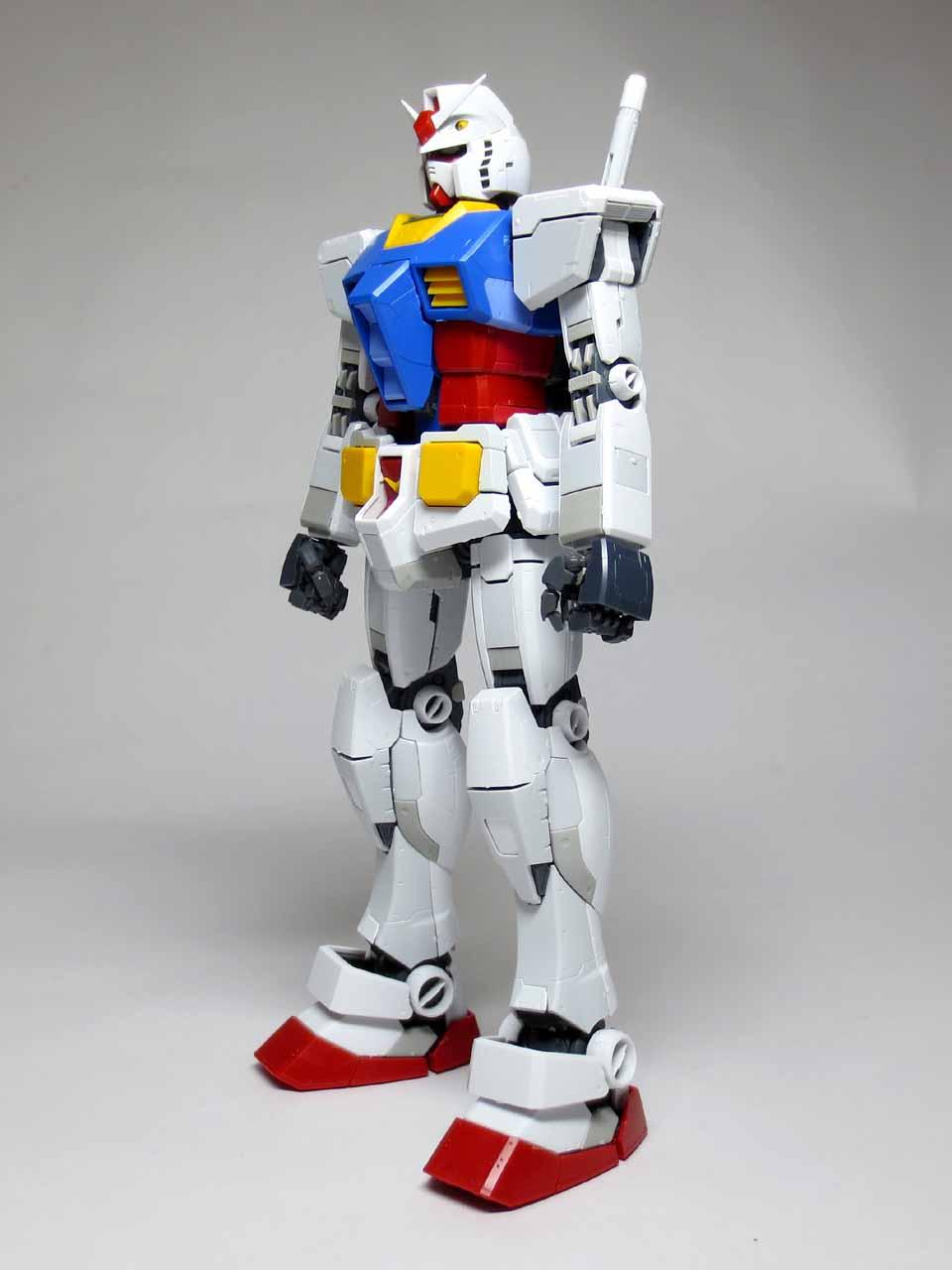 MG_RX78_2_Gundam_Ver3_B02.jpg