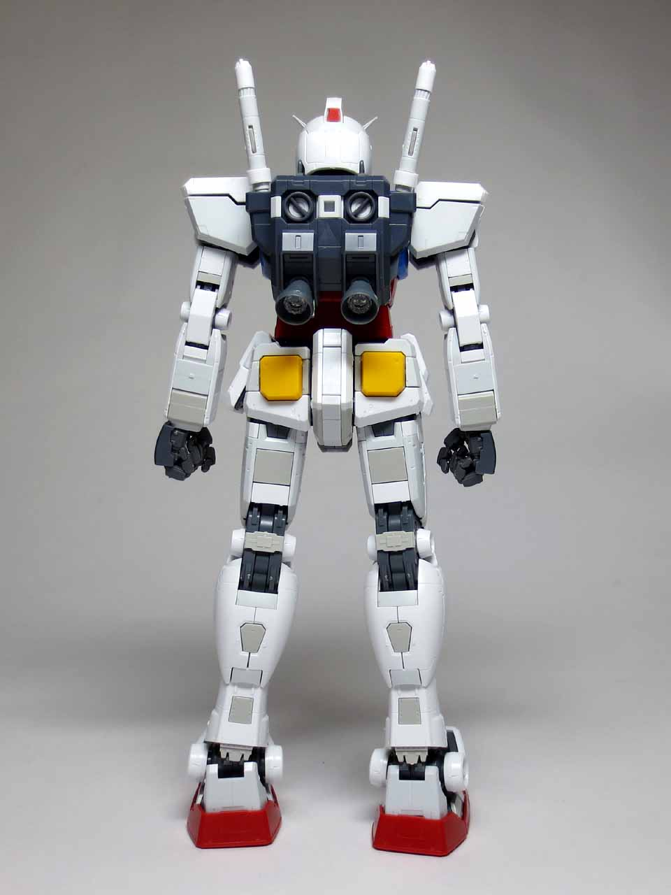 MG_RX78_2_Gundam_Ver3_B03.jpg