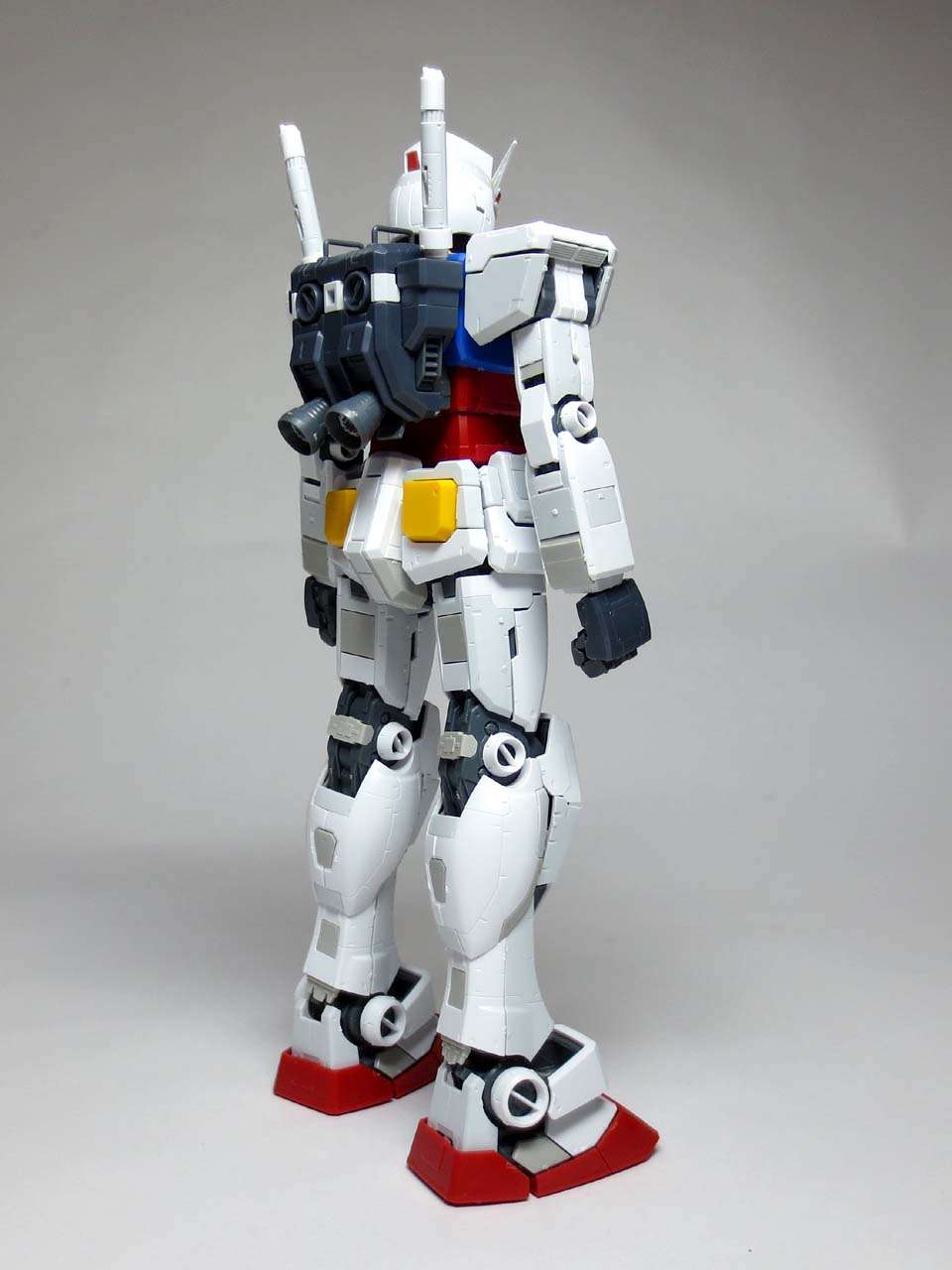 MG_RX78_2_Gundam_Ver3_B04.jpg