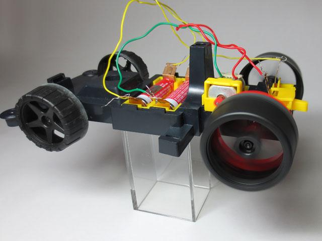 Motor_car_typeF_15.jpg