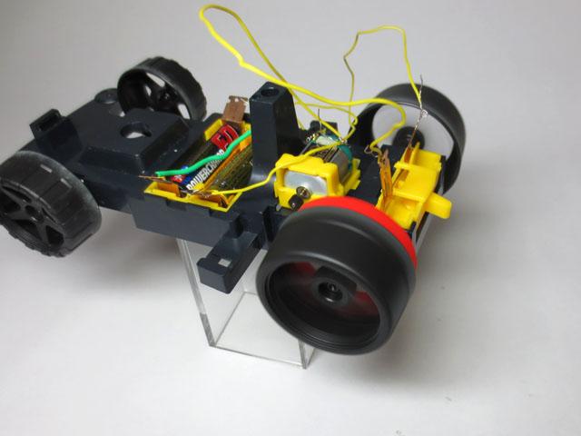 Motor_car_typeF_21.jpg