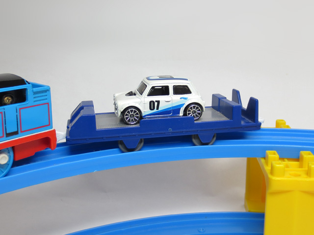 tomica_loading_freight_car_15.jpg