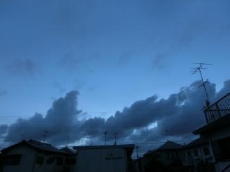 台風、この風が怖いです。