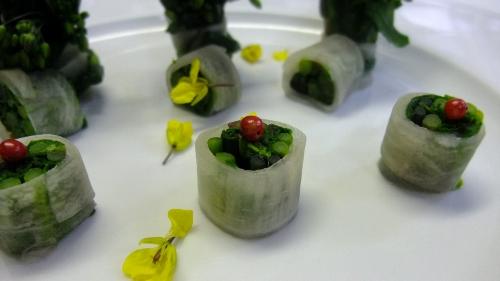 菜の花のブーケを添えて