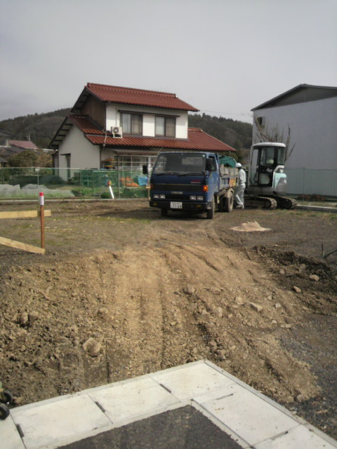 基礎工事始まる!