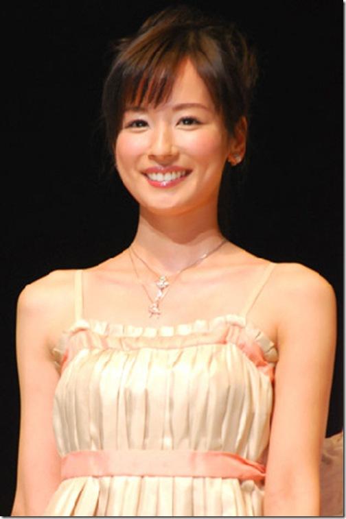 blog-imgs-56-origin.fc2.com_i_d_o_idolgazoufree_kaitou_aiko_a00