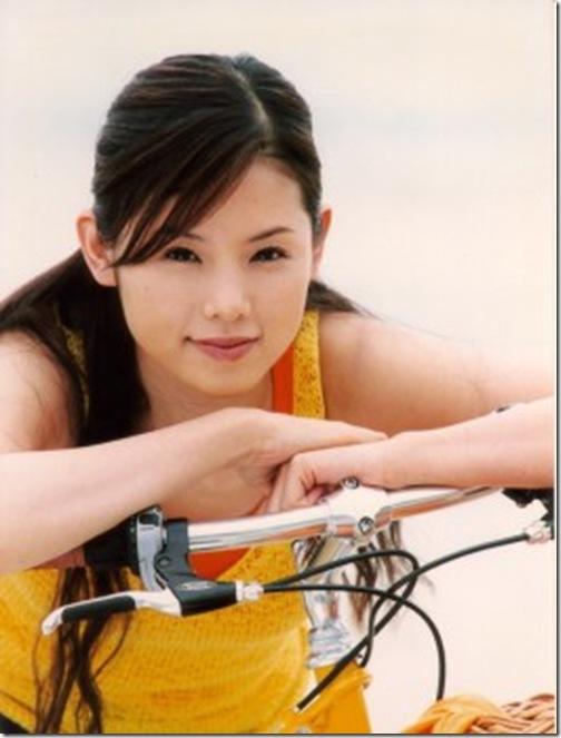 blog-imgs-56-origin.fc2.com_i_d_o_idolgazoufree_konishi_manami_a00