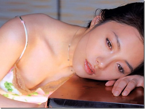 blog-imgs-61-origin.fc2.com_i_d_o_idolgazoufree_nakama_yukie_a01