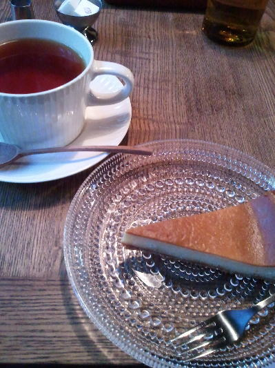 チーズケーキと紅茶