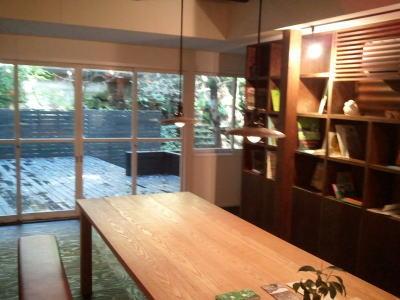 東山ボヌールの店内、可愛い雑貨と絵本が・・・