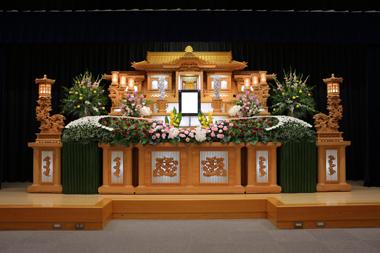 バラを使った花祭壇(1)