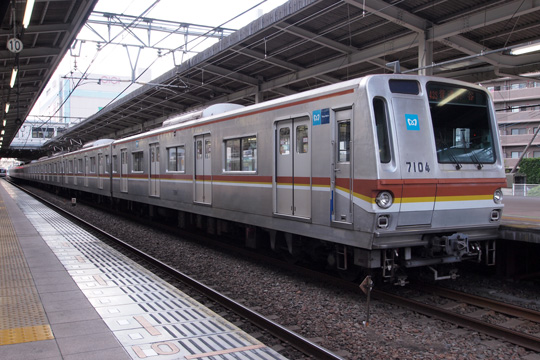 20100719_tokyo_metro_7000n-01.jpg