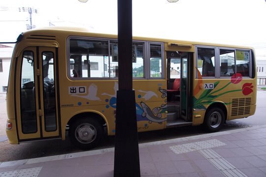 20100812_yasugi_yellow_bus-01.jpg