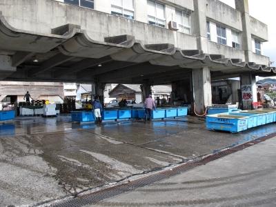 天津漁港 市場の様子