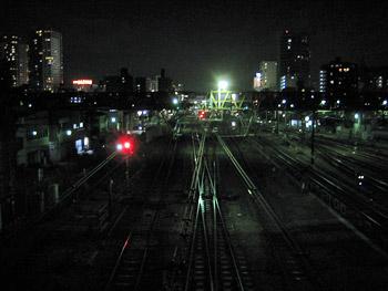 線路も真っ暗