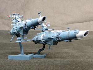 パトロール艦(左)と巡洋艦(右)にも波動砲