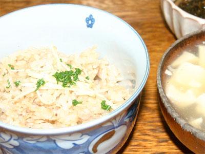 ツナ缶の炊き込みご飯