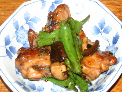 鶏肉とシシトウガラシの炒め物