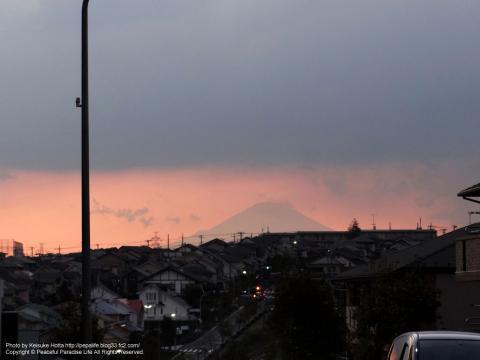夕焼け富士山のシルエット