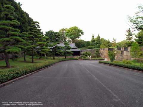 皇居東御苑の大番所と中之門跡