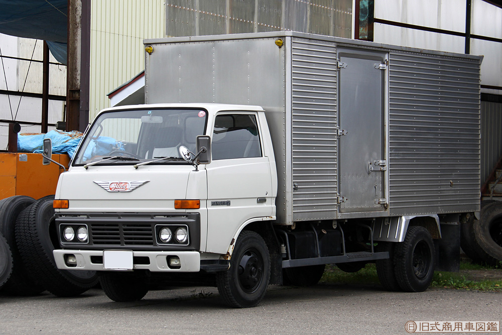 Hino_Ranger2_Van.jpg