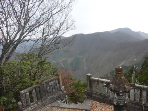 20101113・三峰妙法下山02